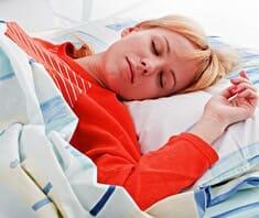 Schnarchen erhöht Risiko für Herz- und Gehirnschlag