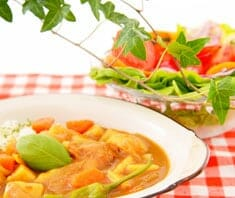 Spaghettikürbis mit Gemüsecurry | Rezept