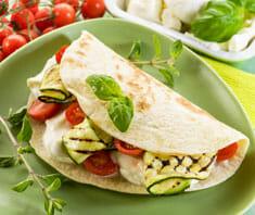 Gemüsetortilla mit Mozzarella