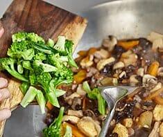 Bunte Gemüsepfanne mit Tofu | Rezept