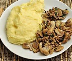 Püree mit Pilzen und Ei | Rezept