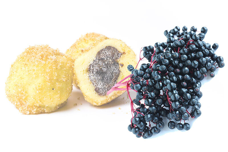 Mohnknödel mit Hollerkoch | Rezept