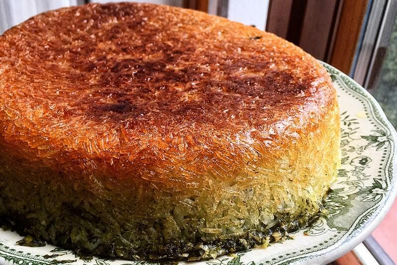 Tahchin esfenaj - Persischer Reiskuchen mit Spinat