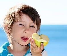 Gesunde Ernährung für Kids: richtig essen gegen Schulstress