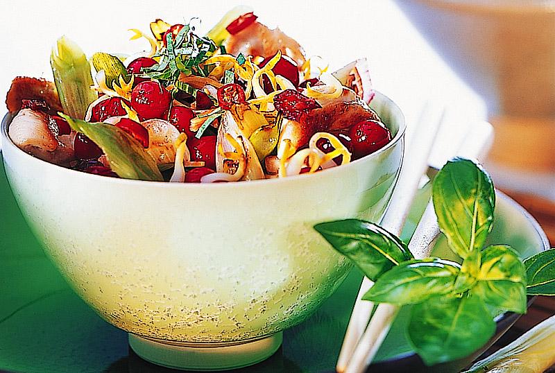 Pikante Huehnchenpfanne mit Cranberries und Ingwer | Rezept