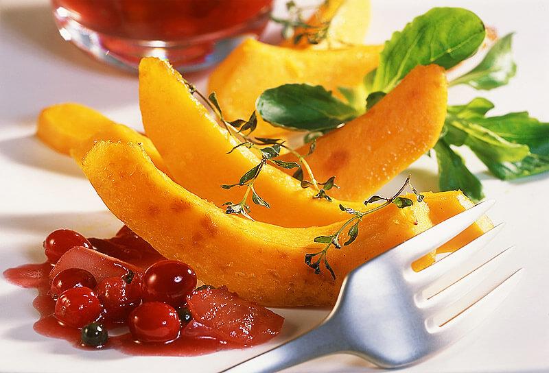 Gebratener Kürbis mit Cranberries | Rezept