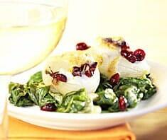 Gratinierte Zwiebeln mit Ricotta-Cranberry-Füllung