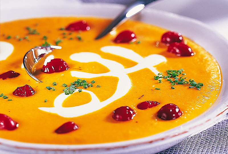 Karottensuppe mit Cranberries | Rezept