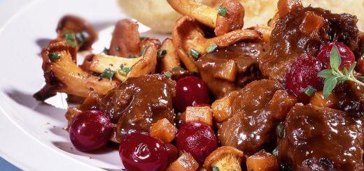 Rehragou mit Pilzen und Cranberries | Rezept