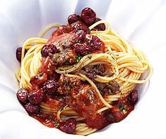 Spaghetti alla bolognese mit Cranberries | Rezept
