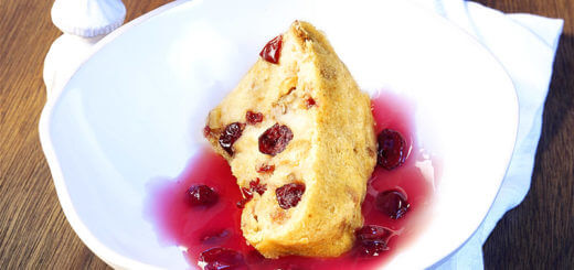 Brotpudding mit Cranberries | Rezept