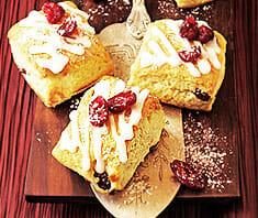 Kleine Adventstollen mit Cranberries | Rezept