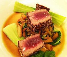 Thunfisch im Sesammantel