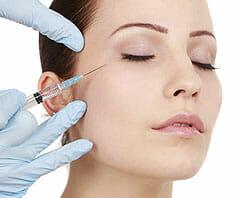 Faltenfrei - die Methoden der Schönheitskliniken