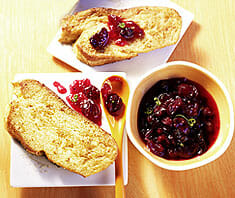 French Toast mit Cranberry-Sauce