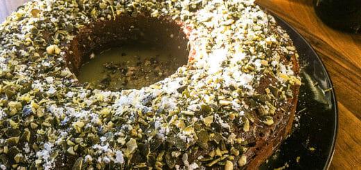 Kürbiskernkuchen mit weißer Schokolade | Rezept