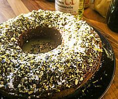 Kürbiskernkuchen mit weißer Schokolade