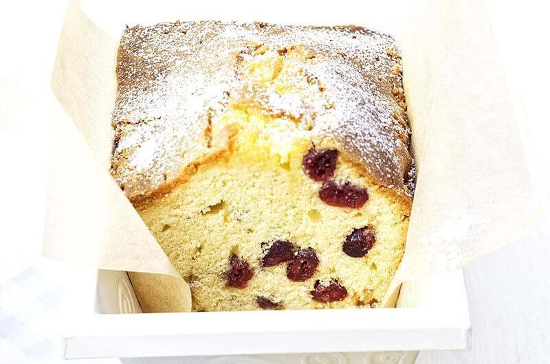 Sandkuchen mit Cranberries und Marzipan | Rezept