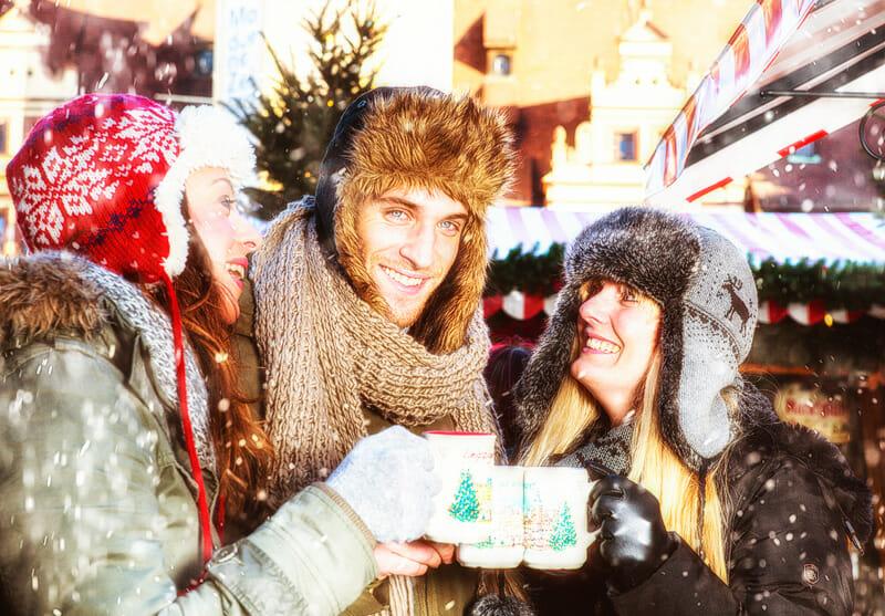 Glühwein und Punsch am Adventmarkt