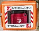 Was ist ein Defibrillator? Lebensretter bei Herzinfarkt