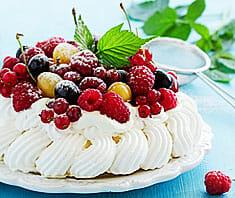 Pavlova mit Früchten | Rezept
