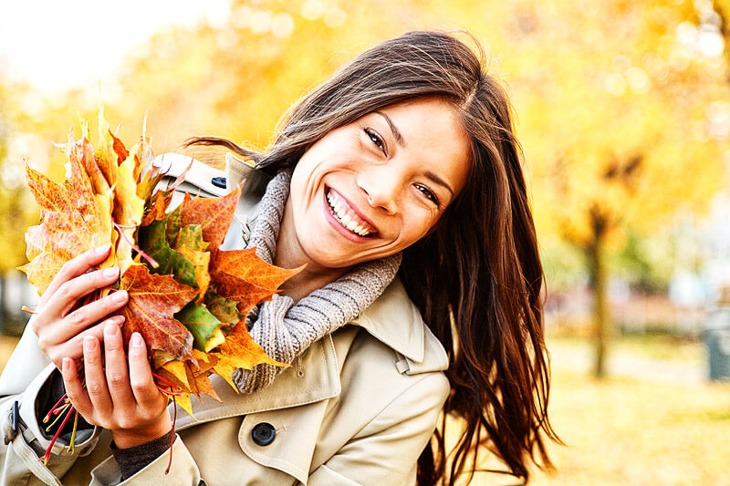 Junge Frau - fit für den Herbst