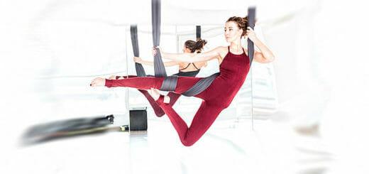 Aerial Yoga - traditionelle Yogahaltungen & Luftakrobatik