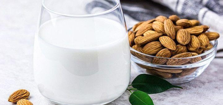 Mandelmilch selbst gemacht | Rezept