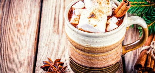 Heiße Gewürzschokolade mit Marshmallows
