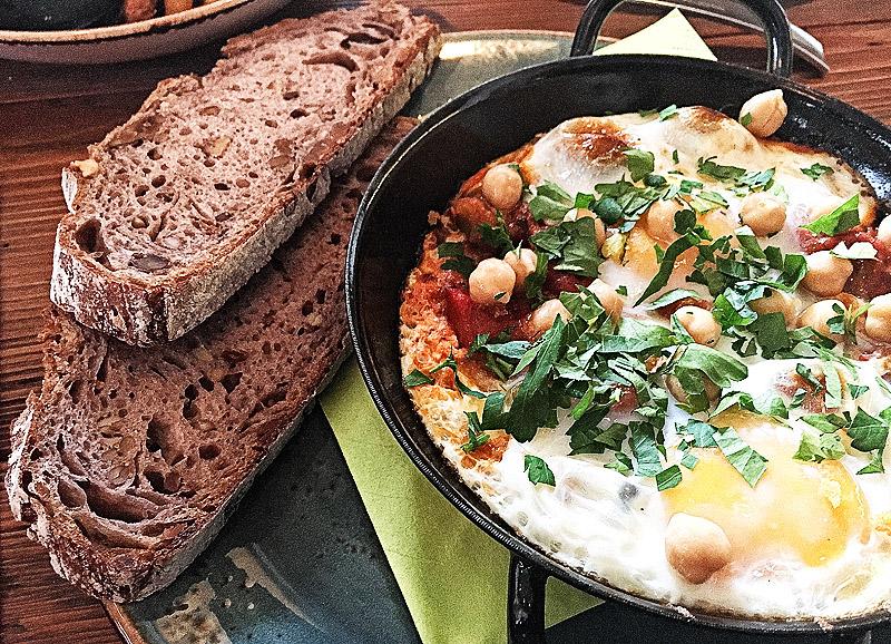 Shakshuka - Pochierte Eier in Tomatensauce