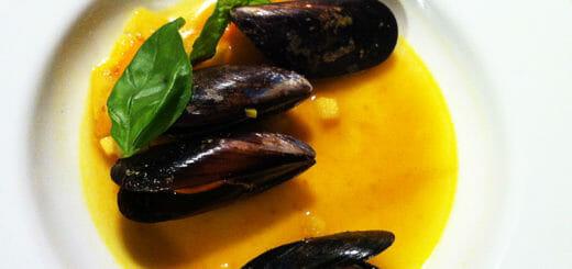 Muschelsuppe mit Safran | Rezept