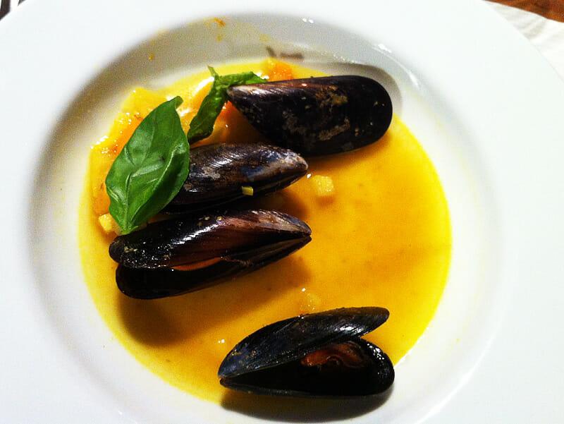 Muschelsuppe mit Safran