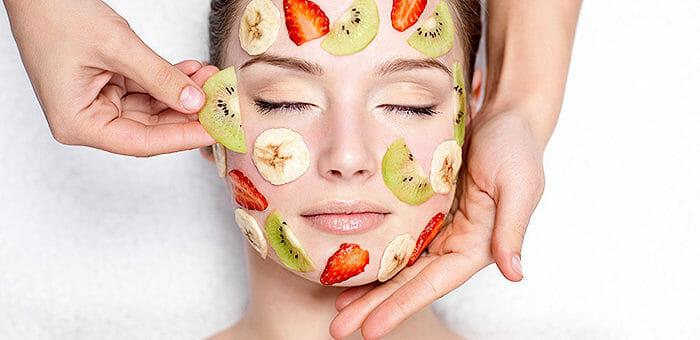 Die richtige Haut- und Haarpflege im Sommer
