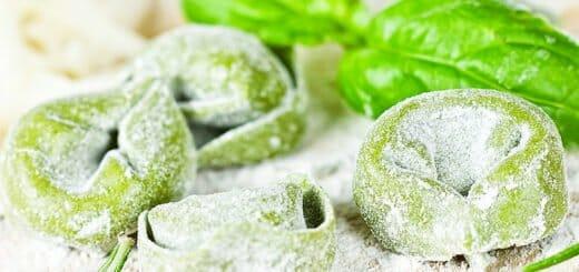 Grüne Tortellini mit Ricottafüllung | Rezept