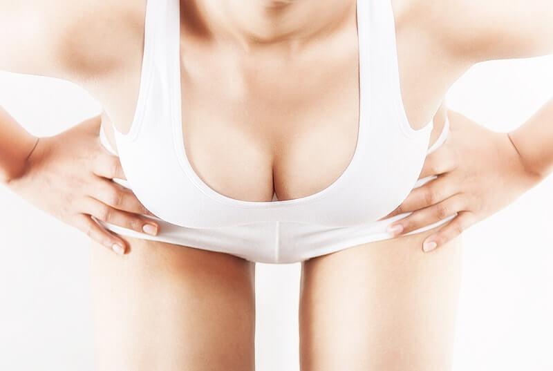 Brustvergrößerung - volle Brüste, tolles Dekolleté