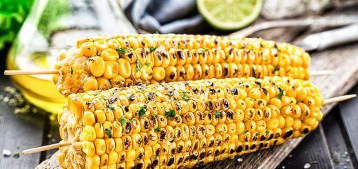 Gegrillte Maiskolben mit Kräuterbutter | Rezept