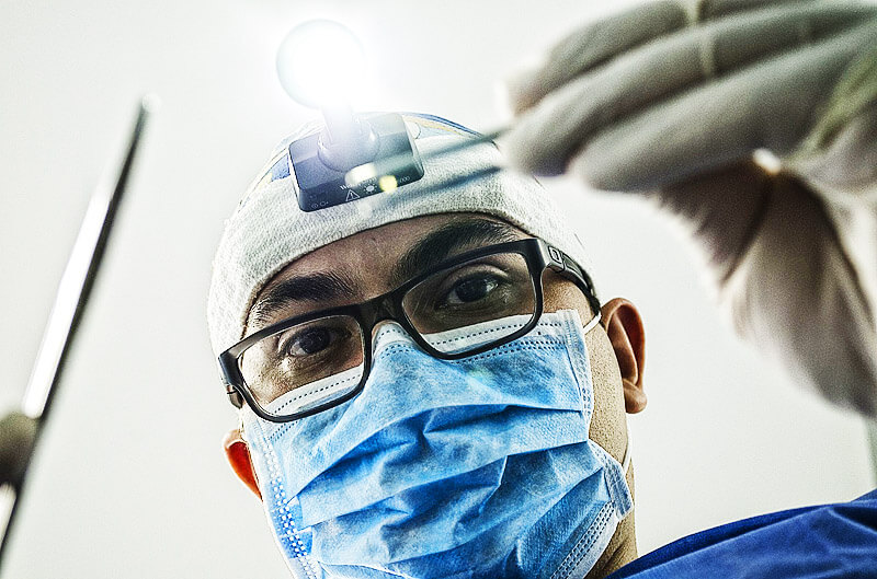 Zahnimplantate vom spezialisierten Facharzt