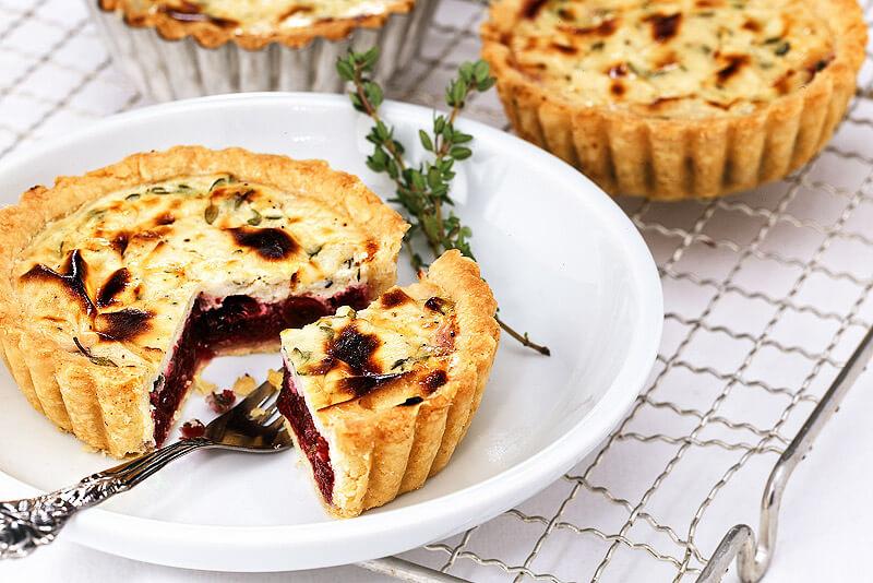 Ziegenkäse-Tartes mit Cranberries | Rezept