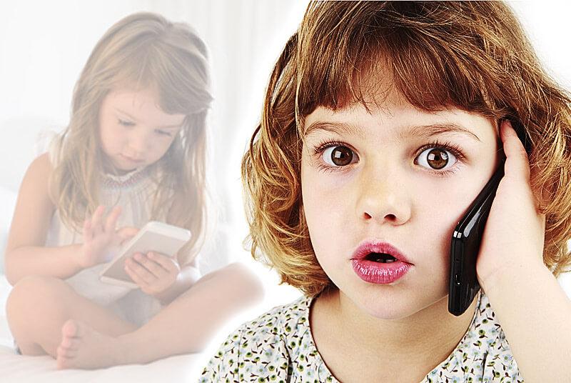 Kleinkind mit Handy und Smartphone