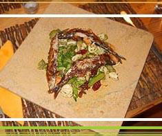 Orecchiette mit Brokkoli und gebratenen Sardinen