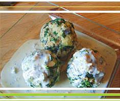 Spinatknödel mit Gorgonzolasauce | Rezept