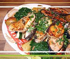 gegrillte Fische mit Spinat und Kartoffel