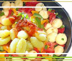 Gnocchi mit Sardellen und Gemüsesauce
