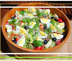 Exotisch-leichtes Dessert: Kakis mit Joghurtcreme