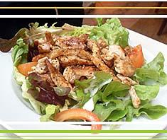 Rezept: Grüner Salat mit Streifen vom Putenfilet